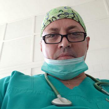 medic român