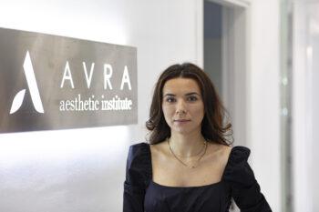 Mariana Aristotel, Avra